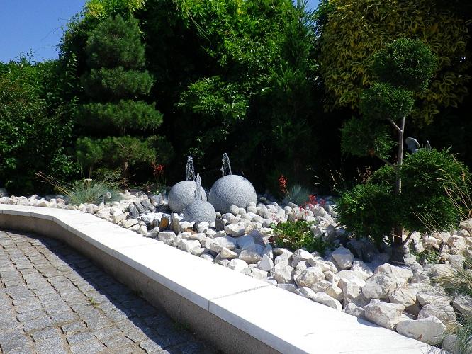 création-pépinièriste-fontaine-minéraux